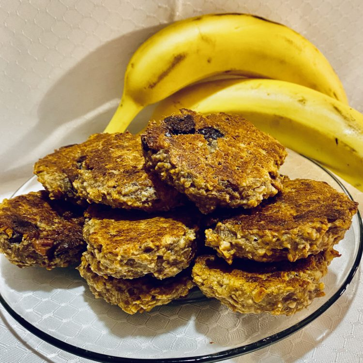 Banana, Oatmeal & Dark Chocolate Chip Cookies